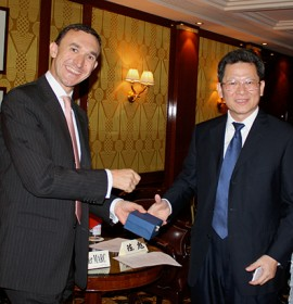 Olivier MARC greets in Paris the Vice-Mayor of Shenzhen