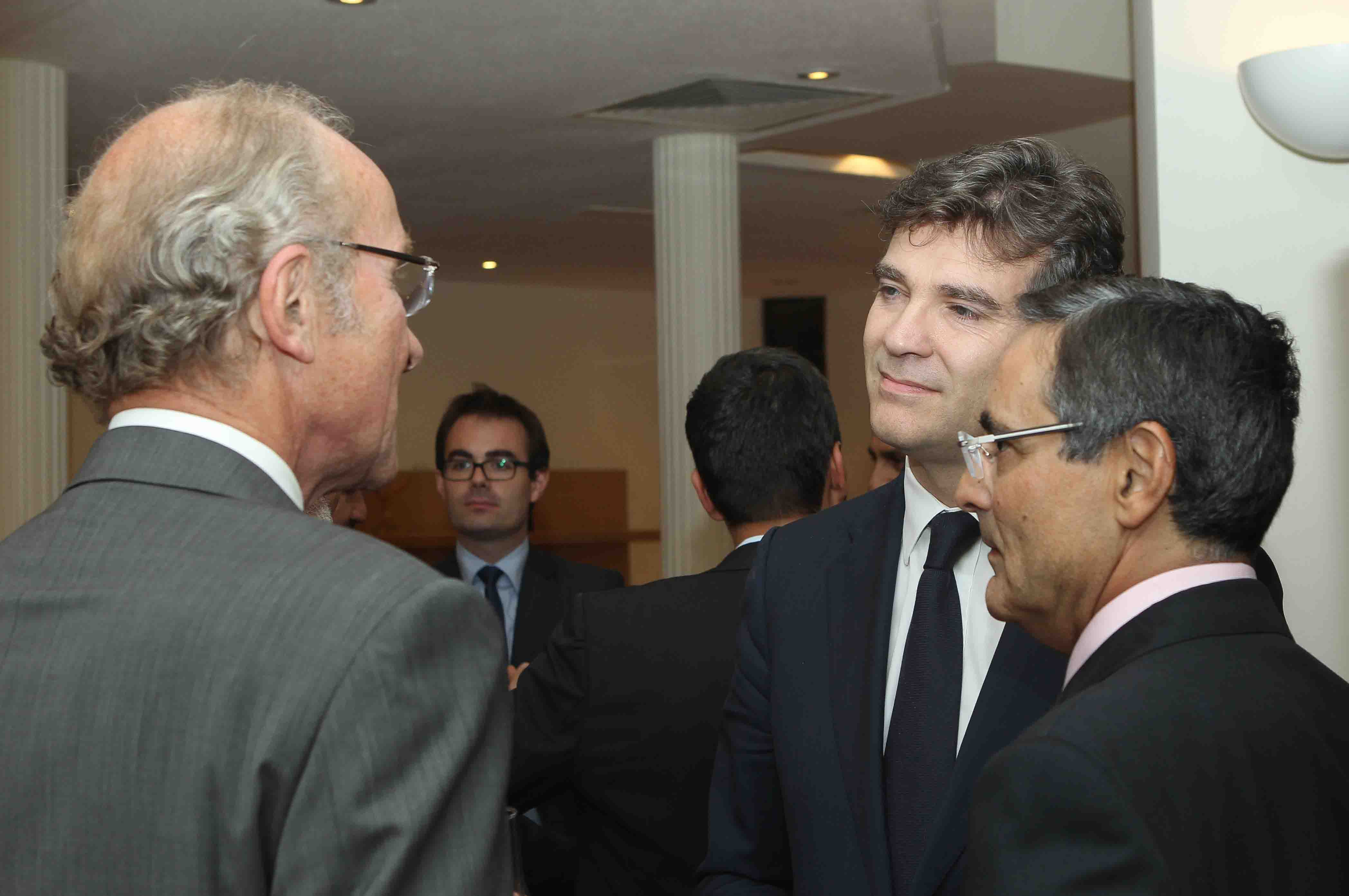 Minister MONTEBOURG exchange with ECC Dubaï's partner